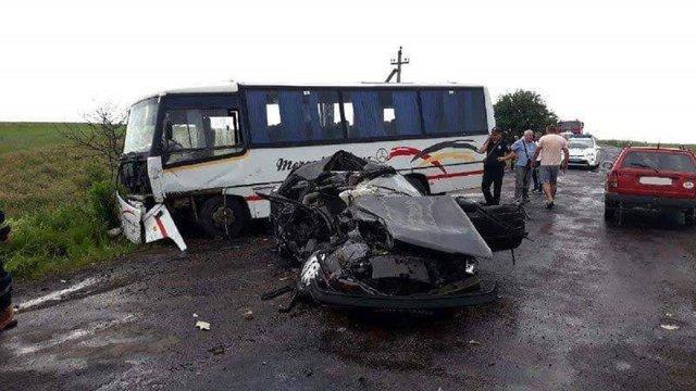 22-річний чоловік загинув у зіткненні легковика з маршруткою на Рівненщині
