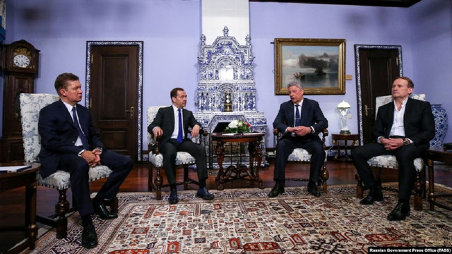 Адміністрація президента здивована відсутністю реакції ГПУ на візити Медведчука і Бойка до Росії