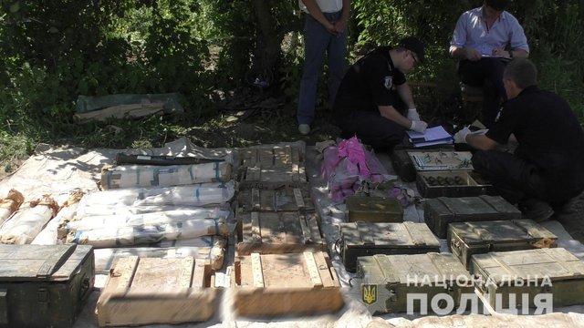 На Рівненщині поліція вилучила в місцевого жителя один з найбільших в Україні склад боєприпасів