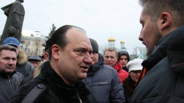 На Луганщині у парламент балотується екс-депутат, що допомагав бойовикам «ЛНР»