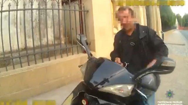 Львів'янин допоміг патрульним інспекторам наздогнати нетверезого водія