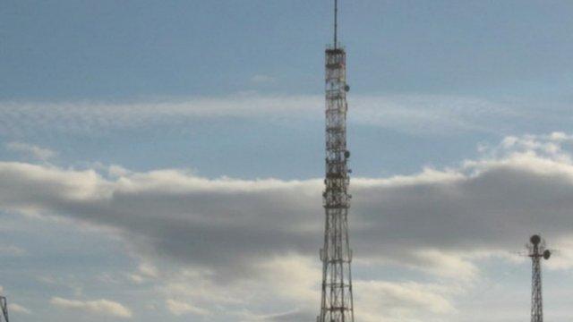 Майже 53% українців підтримують двомовність радіостанцій і телеканалів