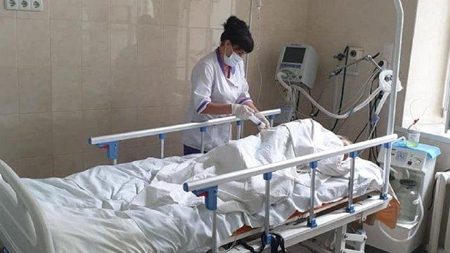 Завдяки сучасній апаратурі львівським лікарям вдалося врятувати хворого на ботулізм