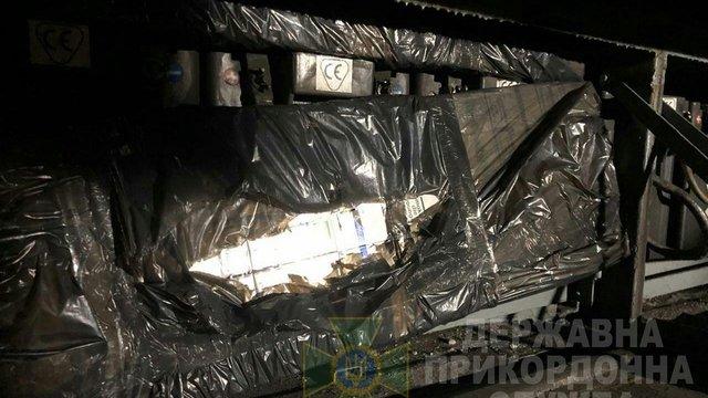 У Шегинях прикордонники виявили контрабандні сигарети у пасажирському потязі