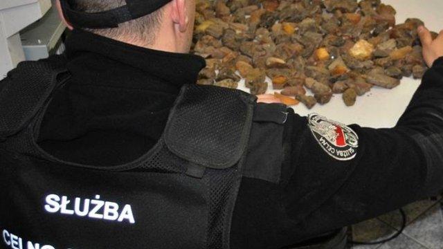 Затриманого у Польщі за контрабанду бурштину львів'янина оштрафували на 316 тис. грн