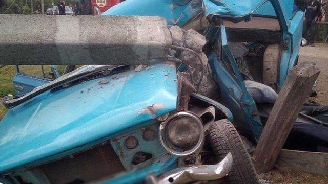 На Жовківщині внаслідок зіткнення автомобіля з електроопорою загинув водій
