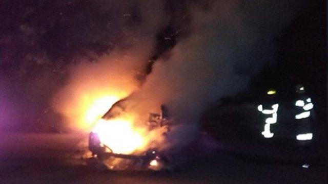 Уночі у Львові вщент згорів автомобіль, у Стрию автомобіль вдалось врятувати від вогню