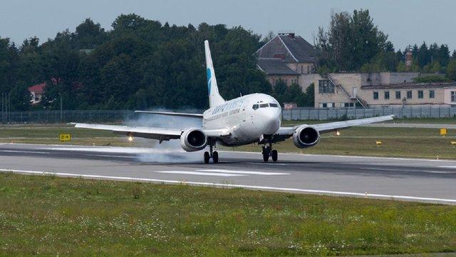 Українська авіакомпанія виконала перший рейс з Афін до Львова