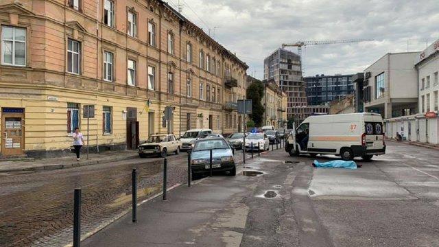 61-річний львів'янин раптово помер за кермом автомобіля в центрі Львова
