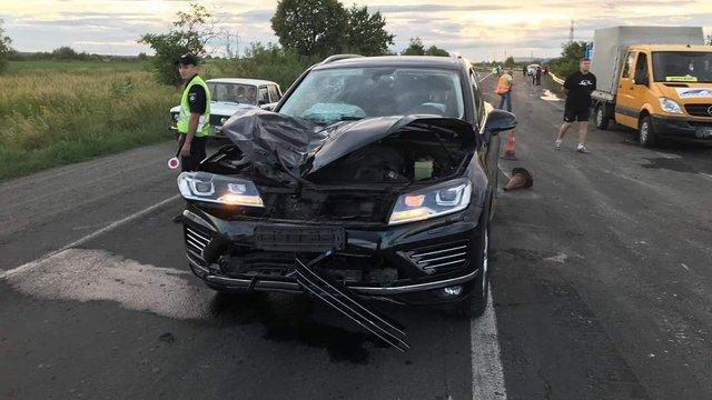 Чиновник ДФС на Volkswagen Touareg на смерть збив дорожнього робітника на Закарпатті