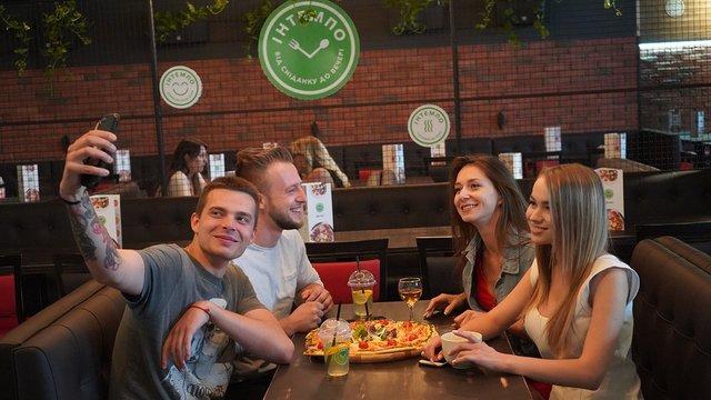 Де поїсти швидко та смачно? У Львові відкрилося нове сучасне бістро