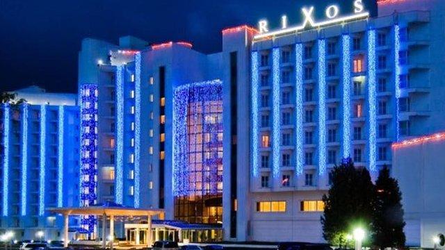 «Слуга народу» проведе навчальні курси для депутатів в готелі оточення Ахметова в Трускавці