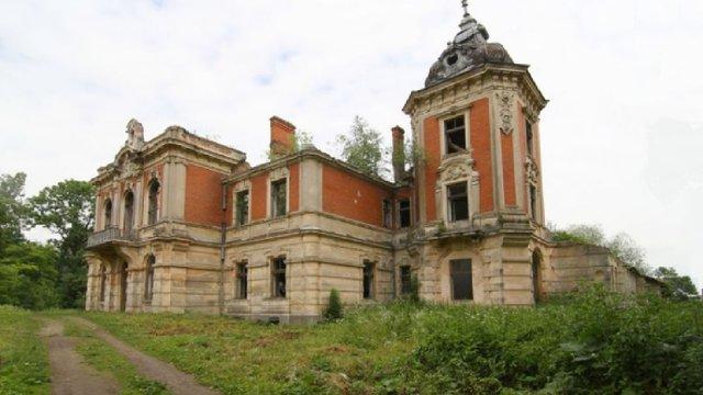 На Львівщині проведуть волонтерський табір із порятунку палацу в Тартакові