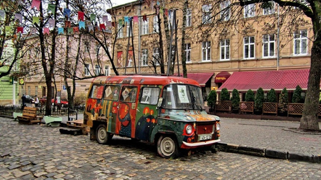 Львівські волонтери збирають кошти на реставрацію фургона з пл. Коліївщини