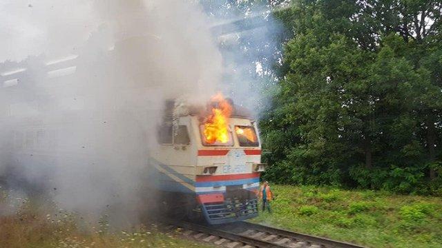 У Вінницькій області під час руху загорілась приміська електричка