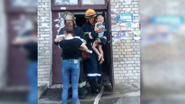 У Червонограді під час пожежі в багатоповерхівці врятували 6 дітей