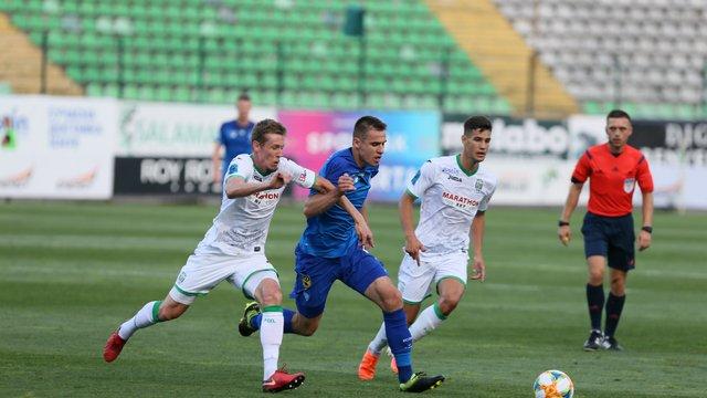 «Карпати» вдома поступилися «Динамо», пропустивши автогол та гол з пенальті