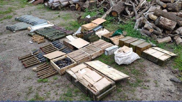 На Луганщині СБУ знайшла облаштований бойовиками збройний арсенал