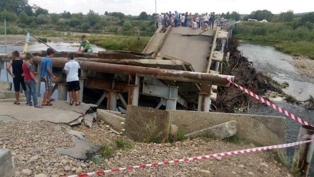 На Калущині відновлять міст, який обвалився рік тому