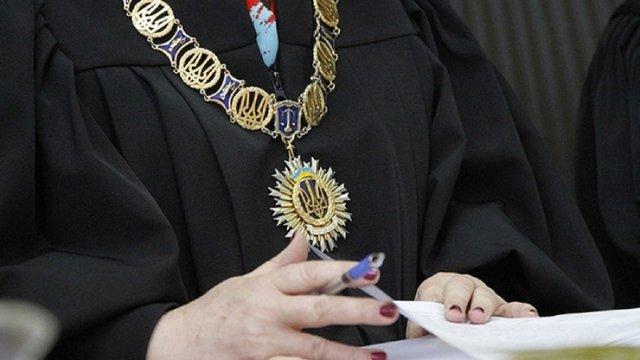 В Ужгороді суддя міського суду попросила захисту від нападів позивача-пенсіонера
