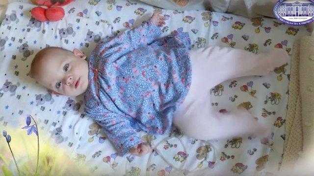 Однорічну львів'янку, що народилася з вагою 480 грамів, хочуть удочерити