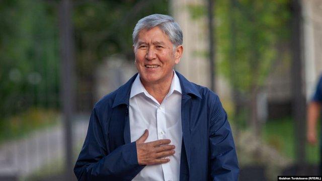 Екс-президента Киргизстану Алмазбека Атамбаєва затримали через підозру у корупції