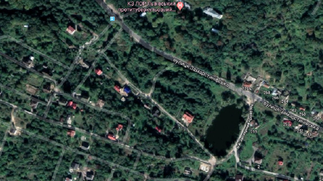 Біля озера в кінці вул. Замарстинівської зведуть три житлові будинки з дитсадком