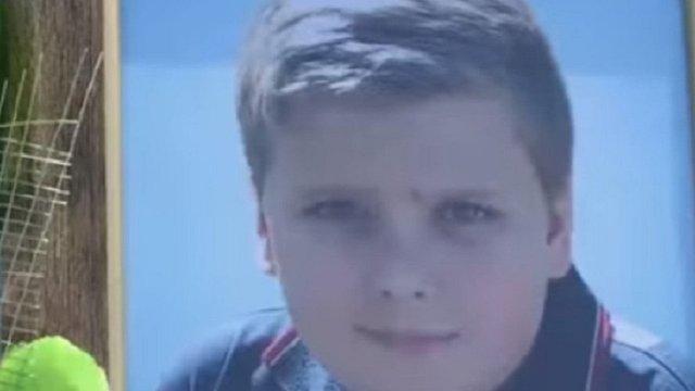 Підозрюваний у смерті дитини хірург уникав суду завдяки фальшивим лікарняним