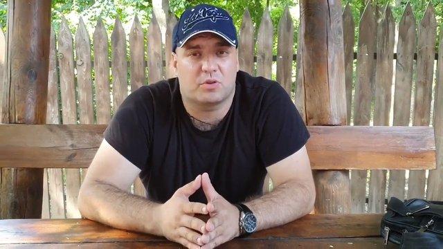 Поліція оголосила в розшук скандального блогера, що побив учасника війни на Донбасі