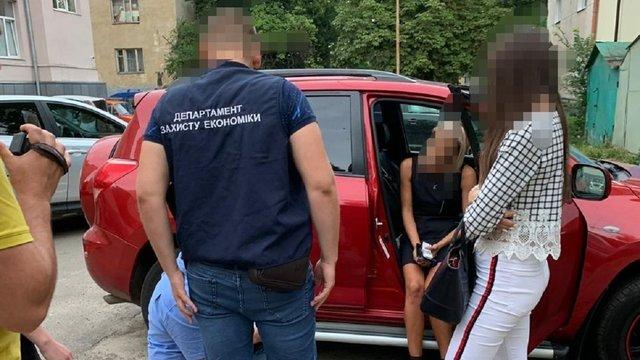 40-річну чиновницю Львівської міськради затримали на хабарі