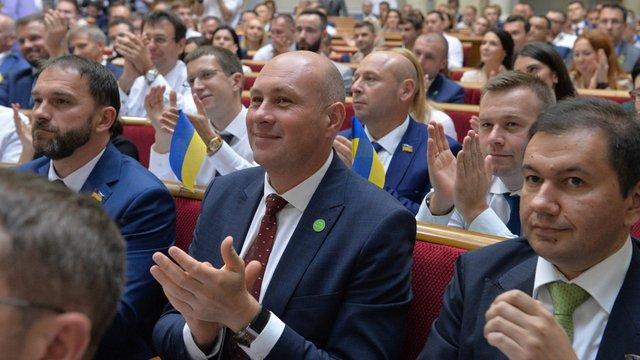 ЦВК зареєструвала п'ятьох нових народних депутатів від «Слуги народу»