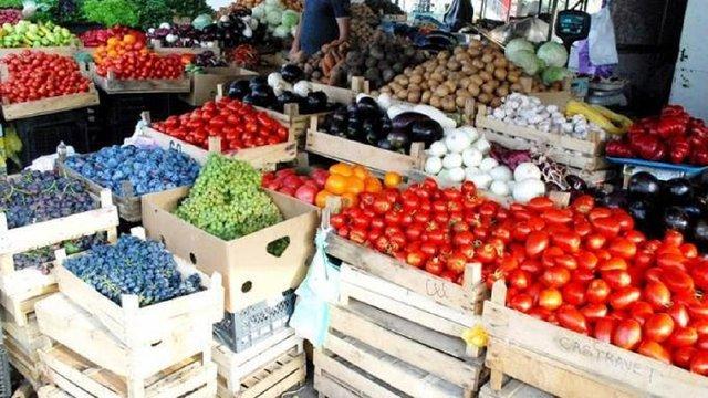 Євросоюз призупинив імпорт овочів та фруктів з України