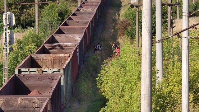 У Львові вантажний потяг збив нетверезу жінку