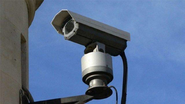 Завдяки відеокамерам поліція затримала львів'янина, який обікрав п'яну студентку