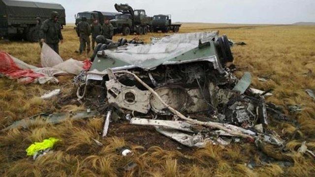 Під час військових навчань у Росії з літака на висоті 1,5 км випали дві БМД