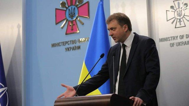 Міністр оборони прокоментував можливість переходу України на контрактну армію