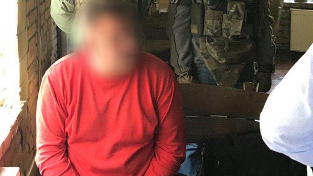 У Тернополі шантажист вимагав у забудовника 25 тис. доларів та квартиру