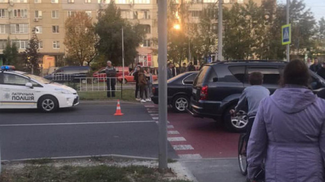 Автомобіль збив 10-річну дівчинку на пішохідному переході на Сихові