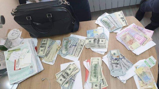 Трансплантолога з Інституту Шалімова у Києві затримали на хабарі в 20 тис. доларів
