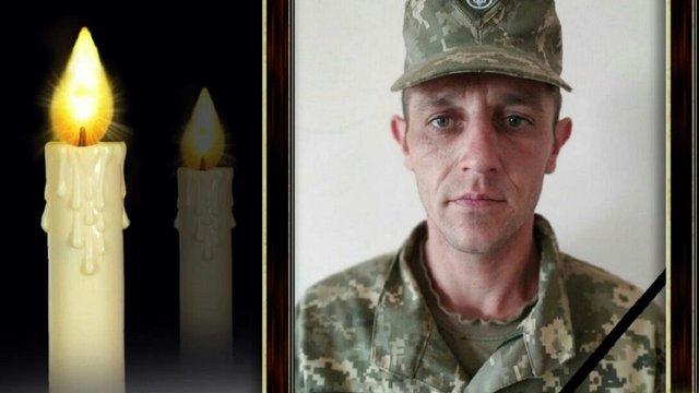 Під час обстрілів на Донбасі загинув український військовий, ще троє поранені