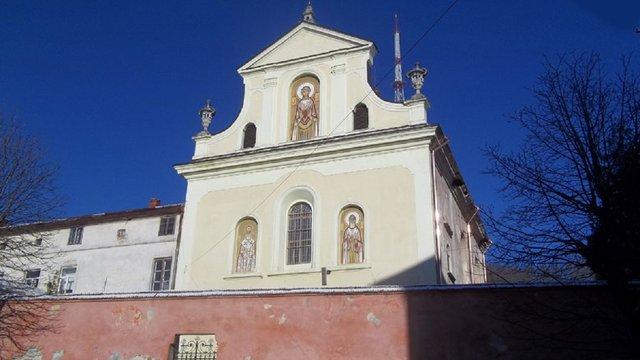 Львівська міськрада просить МВС повернути УГКЦ приміщення монастиря у центрі міста