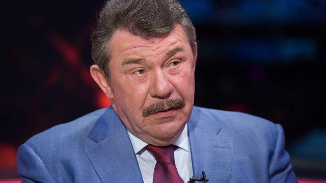 Зеленський звільнив з військової служби міністра оборони часів Кучми Олександра Кузьмука