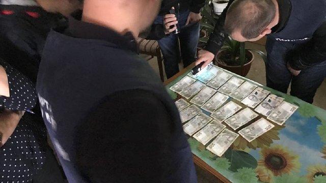 Керівника райавтодору на Буковині оштрафували на 25,5 тис. грн за хабар