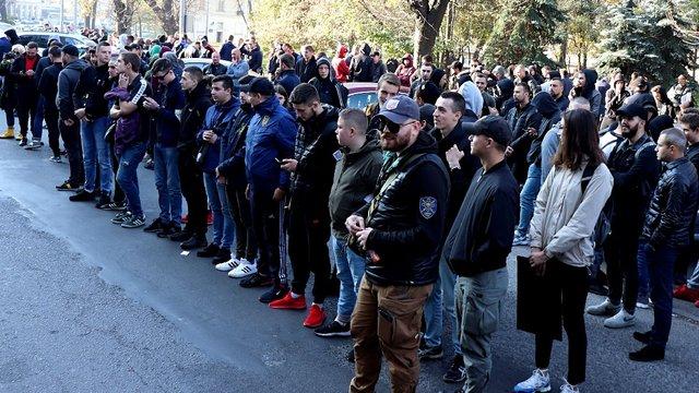 Протестувальники зірвали нараду в ЛОДА з вимогами звільнити начальника поліції