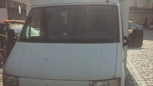 У Львові водій з підробленими документами пропонував патрульним хабар