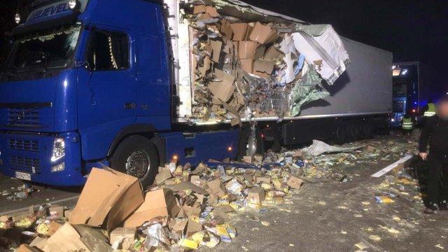 На Рівненщині через зіткнення двох вантажівок загинув 50-річний мешканець Львівщини