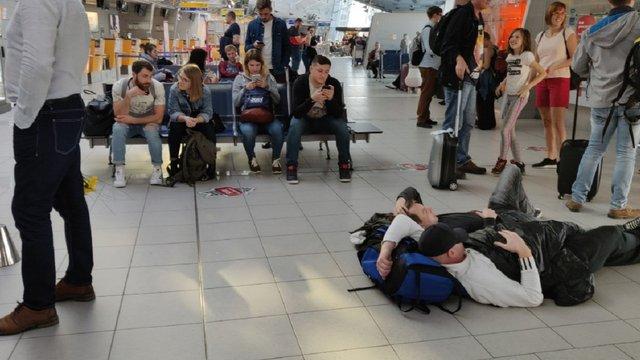 Пасажири авіарейсу Ґданськ-Львів 9 годин не могли виїхати із запасного аеропорту Кошице