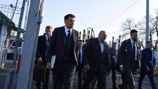 Прем'єр-міністр пообіцяв змінити керівництво митниць в областях через контрабанду