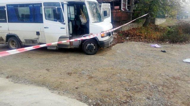 Сільська вчителька на Буковині загинула під колесами автобуса після виходу з нього