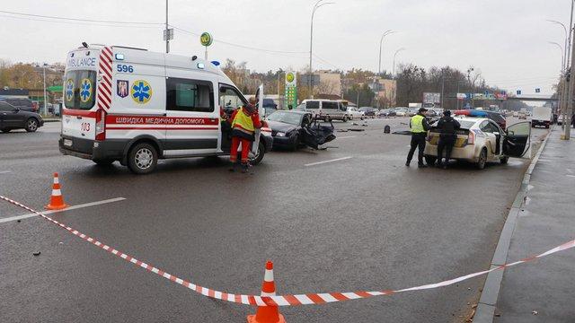 Двоє людей загинули і двоє постраждали в ДТП у Києві